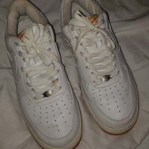 ea6bf202304 Nike air force one 10 gum bottom